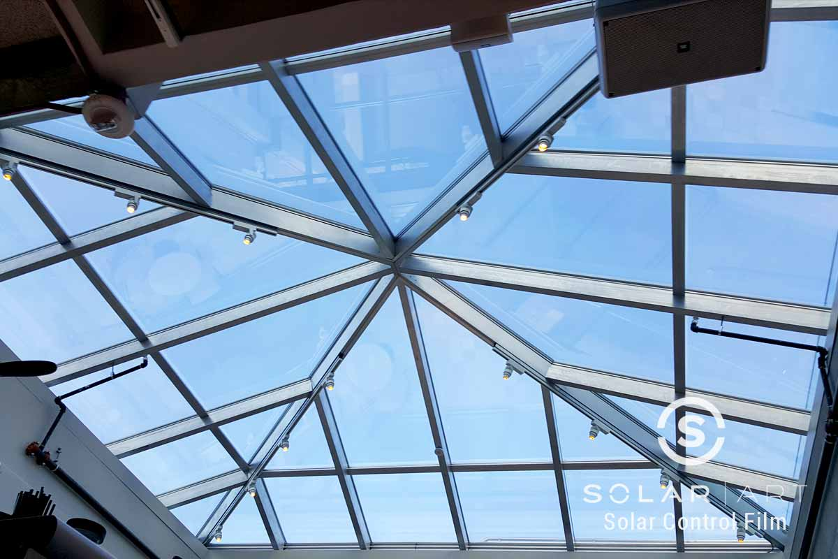Skylight tint in a mall