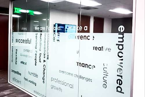 window graphics for businesses